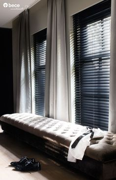 6 All Time Best Useful Tips: Fabric Blinds Design privacy blinds decorative windows.Patio Blinds Bedrooms blinds and curtains kitchen. Living Room Blinds, Bedroom Blinds, House Blinds, Bedroom Windows, Blinds For Windows, Home Bedroom, Wooden Window Blinds, Bedroom Ideas, Indoor Blinds