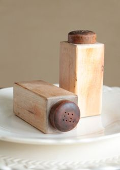 Vintage wood block salt and pepper shakers by TheLittleShopOfNoras