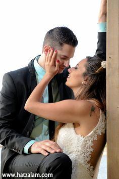 צילום חתונה במרכז Event Photography, Bar Mitzvah, Professional Photographer, Events, Couple Photos, Wedding Dresses, Fashion, Couple Shots, Bride Dresses