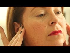 ▶ How To: Lymphatic Drainage Massage - YouTube This massage technique can really change the look of your face overnight.