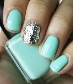 Statement Nail polish on middle finger.used pink and ring finger ; Accent Nails, Hair And Nails, My Nails, Prom Nails, Uñas Fashion, Mermaid Nails, Mermaid Glitter, Glitter Dress, Manicure Y Pedicure