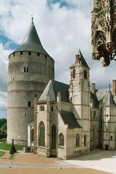 Château de Châteaudun (Eure et Loir) La Sainte-Chapelle et le donjon