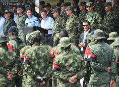 Cuatro grandes dudas sobre la desmovilización de guerrilleros del ELN en el Cauca ¿Por qué los equipos, las armas, los uniformes y hasta las botas de los presuntos subversivos eran casi nuevos? ¿Realmente venían del monte? Si esa organización se ha fortalecido en la zona, ¿por qué se entregaron? Analistas y militares responden: http://www.elpais.com.co/elpais/judicial/noticias/cuatro-grandes-dudas-sobre-desmovilizacion-guerrilleros-eln-cauca