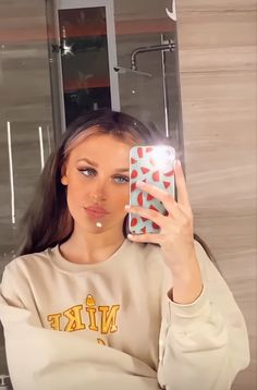 Aesthetic Movies, Aesthetic Photo, Madison Williams, Fan Picture, Dance Pictures, The Most Beautiful Girl, Rare Photos, American Girl, Tik Tok