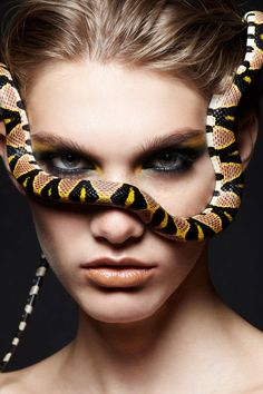 Weird Beauty Fashion Photography – Women with snakes