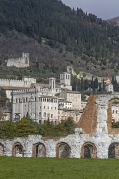 50 min from Perugia is Gubbio - Italy THAT'S WHERE TV SERIES 'DON MATTEO' IS FILMED!