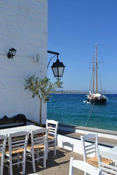 Gatherings at Spetses island Greece Art & Architecture Santorini, Mykonos Greece, Albania, Places To Travel, Places To See, Wonderful Places, Beautiful Places, Cruise Italy, Greece Art
