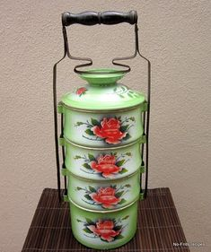 Tiffin carriers are coming back and I fully support the Penang State Government's proposed campaign to launch the use of these fo. Tiffin Carrier, Vintage Enamelware, Good Old, Wine Recipes, Cool Designs, Lunch Box, Serveware, Tableware, Campaign