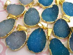 Agate Druzy Pendant, Drusy Drussy Druzzy, 22-24 mm, Gold Electroplated Edged, wholesale price ap31.2 dd