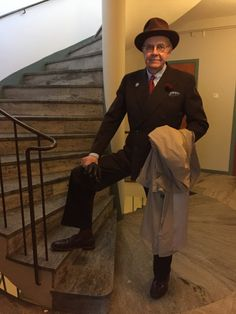 Skönt att växla med något annat är tweed. En kostym från 1940-talet och en gammal Homburg-hatt.