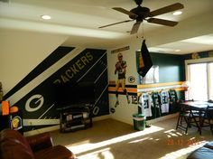 Husker Man Cave Ideas : Greenbay packer man cave my boy friend would love this packers
