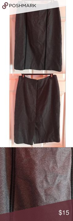 "Nine & Company Women's Pencil Skirt Great condition. Zipper closure on back. Has for lines running down of a velvet material. Measures 25"" L. Slit on back measures 8.5"" L. 65% polyester 35% rayon. Lining is 100% polyester. Size 6 Nine & Co. Skirts Pencil"