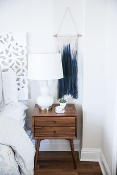 Photography : Andrea Posadas Read More on SMP: http://www.stylemepretty.com/living/2016/02/29/tour-this-all-white-bohemian-bedroom/