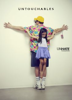 Los Intocables by Erik Ravelo is a campaign to raise awareness on the right to childhood and the factors that threaten it. It is supported by the UNHATE Foundation, the heart of Benetton Group's social activities.