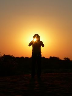 Sundowner flash-photo at Kalahari Anib Lodge.   Image: Michael Hackauf