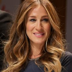HAIR ENVY: Sarah Jessica Parker's loose curls at Nobel Peace Prize press conference - Beauty & Hair News - handbag.com