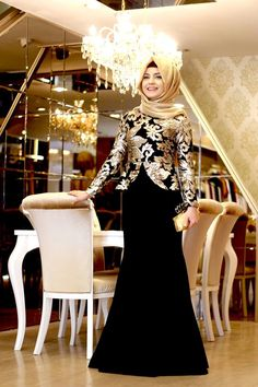Pınar Şems's Muslim Evening Dress, Dress, Skirt modest fashion models are at Modanisa with affordable prices and return guarantee! Islamic Fashion, Muslim Fashion, Modest Fashion, Fashion Dresses, Trendy Fashion, Hijab Evening Dress, Hijab Dress, Evening Dresses, Formal Dresses