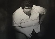 """Mafia Henchman Vincent Roberto, nicknamed """"Fat Vinnie"""", squashes a hidden mike planted by the state police to catch Whitey Bulger."""