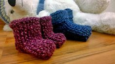 Arkimamman Arkiralli: Huggi-tossut vauvalle Gloves, Slippers, Winter, Winter Time, Sneaker, Slipper, Flip Flops, Winter Fashion, Mittens
