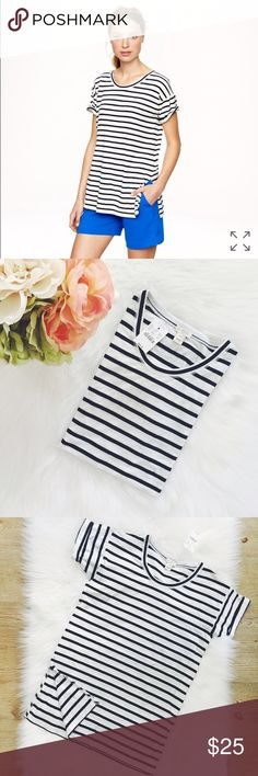 """J.Crew Factory Side Slit Tunic in Stripe Such a gorgeous tunic/top in stripes, new with tags never wore it, size is XXS, tts, material is 100% cotton, slightly loose fit, machine wash, body length 28"""". White & navy stripes. NWT J. Crew Tops"""