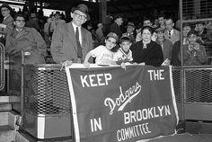 Keep the Dodgers in Brooklyn!