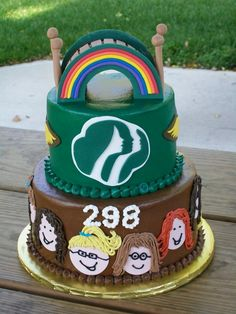 Brownies bridging over to junior Girl scouts cake. This would be so cute for a little girl one day!!