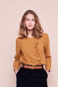 Source by blouses girl Blouse Styles, Blouse Designs, Casual Chic, Blouse En Coton, Hijab Stile, Plus Size Formal Dresses, Mode Shop, Couture Tops, Apostolic Fashion