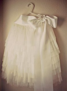 diy tiered tulle skirt.