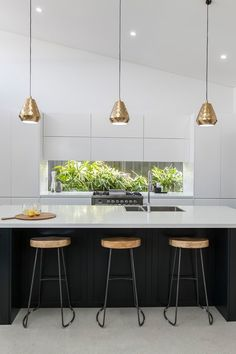 How To Incorporate Contemporary Style Kitchen Designs In Your Home Contemporary Style Kitchen, Contemporary Kitchen Design, Contemporary Kitchen, Kitchen Remodel, Kitchen Inspirations, Modern Kitchen, New Kitchen, Kitchen Interior, Kitchen Styling