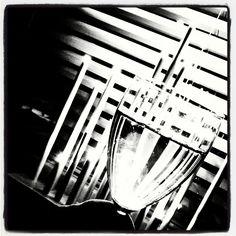 #uutenavuotena #uudenvuodenaattona #uudenvuodenmalja #Noir #filmnoir #sälekaihtimet #shades #blackandwhite #mustavalkoinen #valo #varjo Polar Night, Yule, Darkness, Lights, Instagram Posts, Photography, Art, Film Noir, Xmas