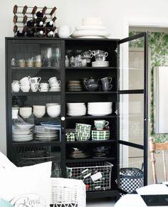 From Joao Cordeiro: glass door cabinet ikea Home Interior, Kitchen Interior, Kitchen Decor, Interior Decorating, Interior Design, Kitchen Dining, Dining Room, Inspiration Design, Interior Inspiration