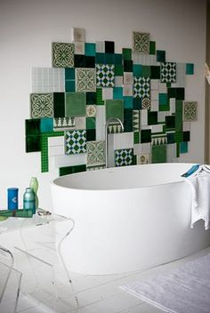 carreaux ciment idées déco_6 Green Mosaic Tiles, Closet Shoe Storage, Small Space Bathroom, Interior Decorating, Interior Design, Tiny Spaces, Beautiful Bathrooms, Home Staging, Renting A House