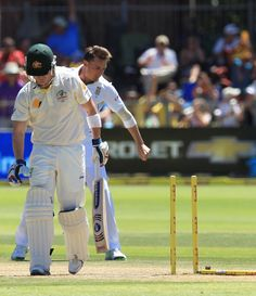 Dale Steyn flattened Brad Haddin's middle stump, South Africa v Australia, 2nd Test, Port Elizabeth, 3rd day, February 22, 2014