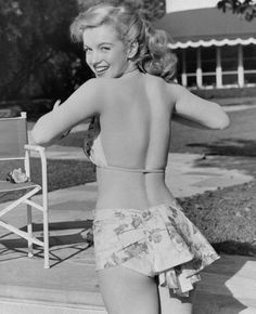 Marilyn Monroe Photo Gallery: Marilyn's first modeling job only paid five dollars.