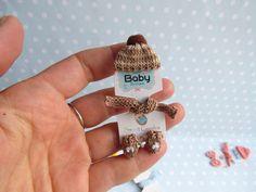 ANZIEHBAR Miniatur FÄUSTLINGE MÜTZE SCHAl Handschuhe für OOAk miniatur Baby Puppen, Deko für Puppenstube 1:12, Miniaturen Laden von YuliyasOOAKdolls auf Etsy