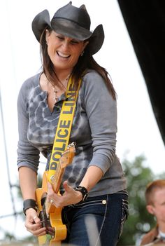 1000 images about cowgirl on pinterest clarks horses for Terri clark pics