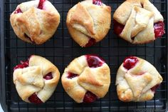 Cherry Pie Bites - made with store bought crescent rolls, they can be made in a jiffy. Perfect for breakfast or even dessert. Homemade Desserts, Easy Desserts, Delicious Desserts, Dessert Recipes, Pie Dessert, Dessert Ideas, Cherry Desserts, Cherry Recipes, Apple Recipes