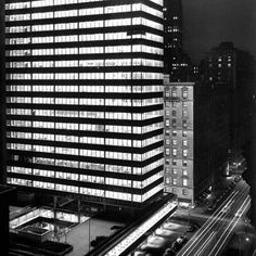 Midtown Manhattan's Lever House marked a watershed in U.S. architecture when completed in 1952. Located on the west side of Park Avenue between 53rd and 54th Streets, the corporate headquarte…