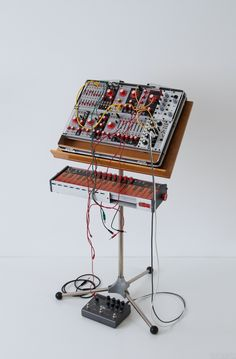 Verbos Composition Suitcase – VCS: Frédéric Sebton created this custom Verbos Composition Suitcase, designed to resemble the vintage suitcase synthesizers of the early 70s, like the Buchla Electric Music Box (1970) and the EMS Synth...