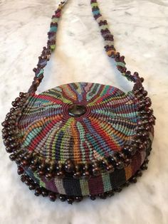 Macrame Purse, Macrame Jewelry, Macrame Bracelets, Handmade Handbags, Handmade Bags, Mochila Crochet, Micro Macramé, Diy Purse, Macrame Design