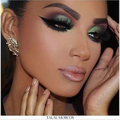 WEBSTA @ fashionistaoverdose - Inspiração de Make ✨ Porque hoje é sexta....#makeupartist #eyeshadow #maquiagem #loucaspormaquiagem #amomaquiagem #makeupdiva #makeuplovers #olhos #modablogueira #modaparameninas #modaparagarotas #modaparamulheres #maquiagembrasill #modafeminina #makeup #makeuppower #lovemakeup #makeuplover #makeuplove #makeuplook