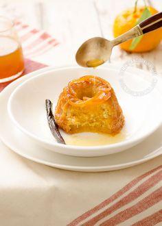 Receta Bizcochuelos de Mandarina: La llegada de las mandarinas a los puestos de frutas señala el comienzo de las fiestas. Disfrútalas con este rico postre.