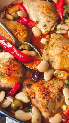 Spanish chicken with red peppers, olives and butter beans in fiery bravas sauce.