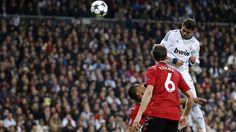 Real Madrid - Manchester United 1-1 | Cristiano Ronaldo, con otro espectacular remate, hizo el 1-1 para el Real Madrid. [13.02.13]