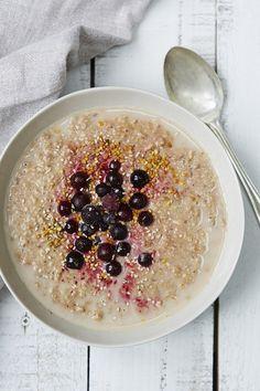 Energy Boosting Porridge from http://honestlyhealthyfood.com/2015/02/17/energy-boosting-porridge/