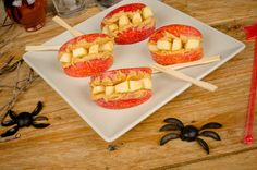 Halloween Recipe: Spooky Peanut Butter & Apple Dentures