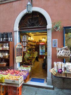 Portovenere, Cinque Terre, Italy   Tram An, Aug. 2014