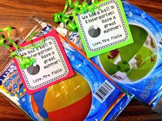 Read Write Sing: The End Of The Year! Gifts, Frogs, Rocks, & More