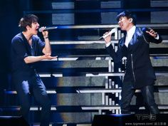 "Yonghwa Jung, from the Korean band CNBLUE performed his first solo concert ""One Fine Day'' in Taipei. He left an impression on his 4000 fans when he greeted them in Mandarin. JJ Lin appeared as the guest performer. http://www.chinaentertainmentnews.com/2015/06/yonghwa-jung-joins-jj-lin-on-stage.html"