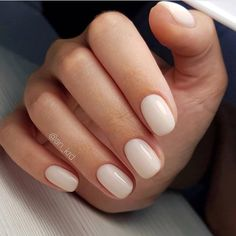 Nail Tricks: Decorations the two perfect hands! – Page 6 of 44 Nail Tricks: Decorations the two perfect hands! – Page 6 of 44 – Finger nails stroke. Nude Nails, White Nails, White Short Nails, White Nail Polish, Ivory Nails, Polish Nails, Short Round Nails, White Manicure, Ideas For Short Nails